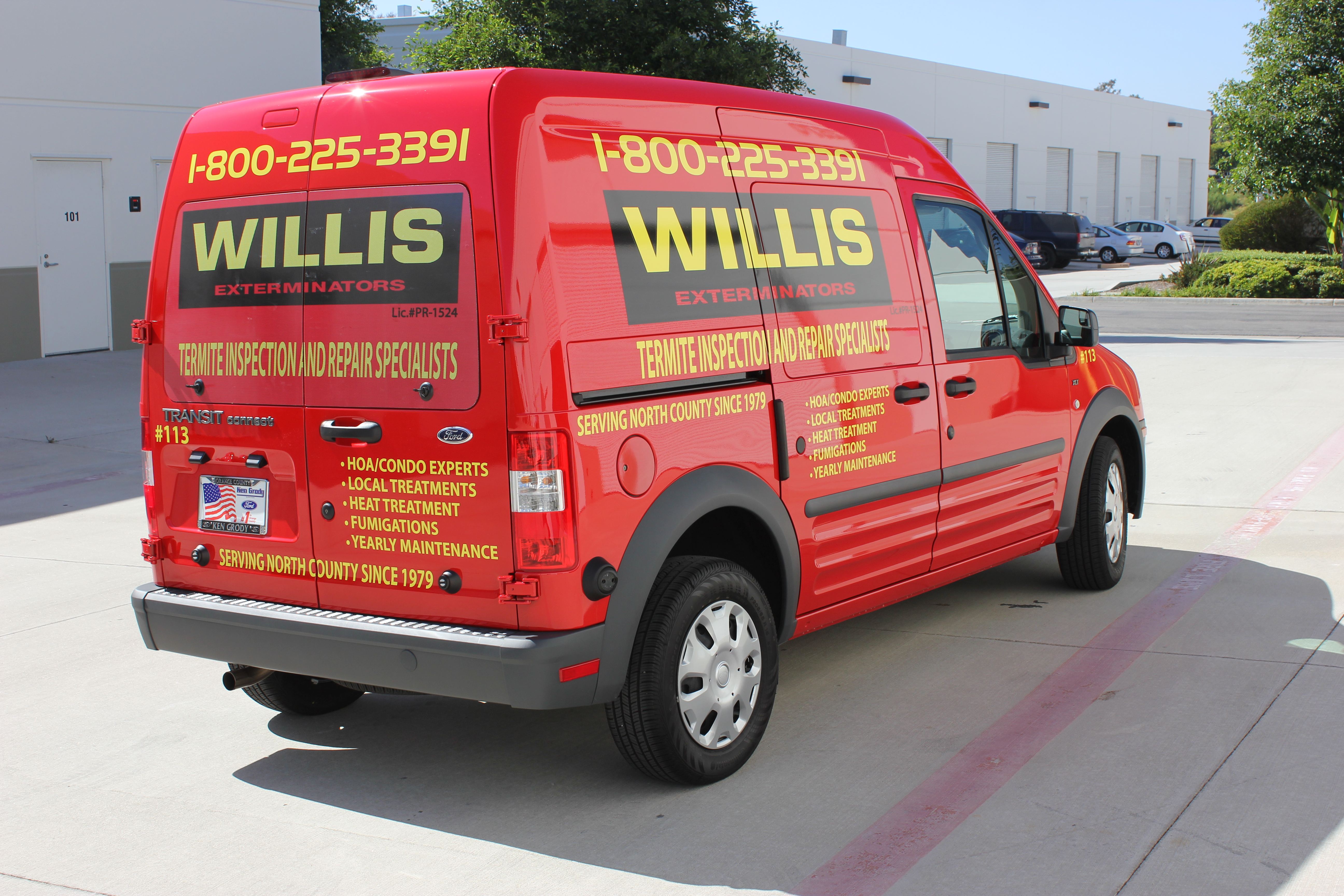 Vehicle Graphics on Ford Transit Connect for Willis Exterminators